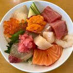 キ八 - 料理写真:海鮮丼