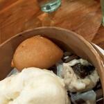 台湾家庭料理 黄さんの家 - 揚餃子、焼売、肉まん