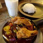 野菜を食べるカレーcamp - 1日分の野菜カレー+チキン1089円+チキン・220円