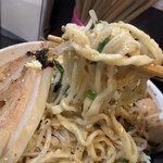自家製太麺 ドカ盛 マッチョ - 太麺が個性