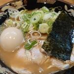 関西 風来軒 - ハーフとんこつラーメン+味タマ♪