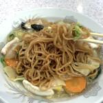 珍々飯店 - イカ野菜焼きそばの麺