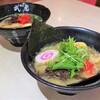 武虎 - 料理写真:魚介豚骨ラーメンと背脂豚骨ラーメン
