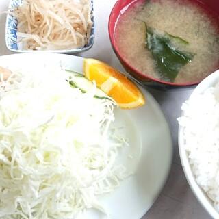 かねよ食堂 - 料理写真:生姜焼き定食