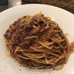 Osteria Lauro - 赤ワインで煮込んだ牛肉のラグーソース