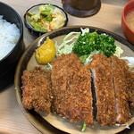 とんかつ 代々木庵 - カツライス700円