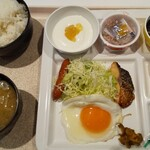 道の駅 平泉 - 料理写真:朝定食全景!一日のスタート、朝のエネルギーはこれで確保だ!