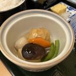 東京 なだ万 - 煮物