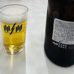 餃子の王将 - 瓶ビールはアサヒスーパードライの中(!)瓶