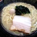 横浜家系ラーメン 天命天来 - 料理写真:醤油ラーメン