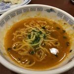 上海餃子 りょう華 - 半分食べて、スープを全部入れる。