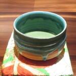和食や 芦田 - 帯地の帛紗で