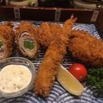 とんかつ神楽坂 さくら - 四種のミックスフライ定食(1,859円)