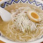 中国ラーメン揚州商人 - 豚肉スープのこくネギラーメン 970円