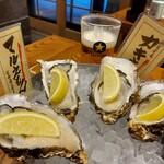 カキ酒場 北海道厚岸 - 食べ比べ