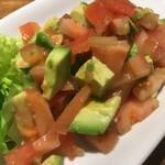 チキンプレイス - トマト&アボカドのサラダ