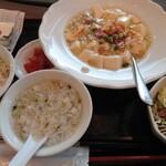 新荘園 - 白麻婆豆腐定食