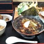 あじろ蕎麦 - 料理写真:海老天と春菊のかき揚げ蕎麦 1200円