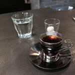 ミセス・ダダ - ホットコーヒー