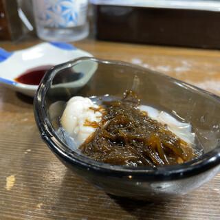 恵寿司 - お通し もずく、白子、マナコ、牡蠣  おまかせ食べ放題60分2000円