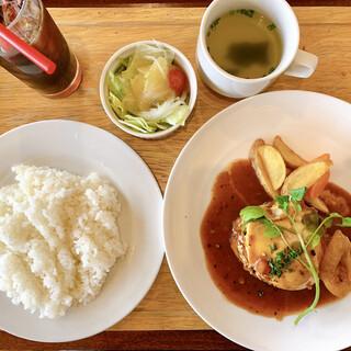 洋食 cafe 梟 - 料理写真:週替りランチ