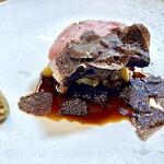 143285248 - 郷ポーク(奈良産) 〜ロース部位を炭火で柔らかく焼き上げたもの。ジャガイモのフリット、白菜や骨から抽出した濃厚なエキスのソースで。