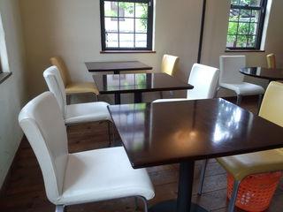 ミカンカフェ - 店内のカフェスペース1。