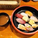Roku鮮 - 令和2年12月 ランチタイム にぎり定食 550円