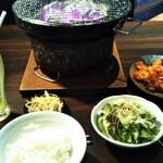 焼肉×もつ鍋 二子玉川 蔵月 - ランチ ハラミとミックスホルモン ¥1550
