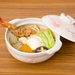 麺キュイジーヌ 麻布邸 - 大海老天の味噌煮込みうどん