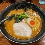 麺屋 とみ吉 - 北海道味噌らーめん+味玉