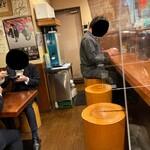 麺屋 とみ吉 - 内観