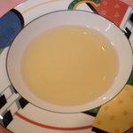 入栄軒 - コンソメスープ(サービスランチ、1,000円)