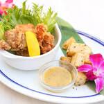 Kaila Cafe & Terrace Dining - モチコチキン&ハーブローストポテト