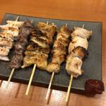 鳥頂点 - 料理写真:串盛り合わせ(塩)税別680円