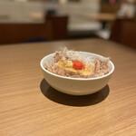 さば銀 - 煮豆腐