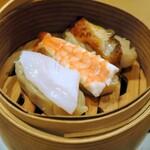 鮨 酒 肴 杉玉 - 欲張りなシュウマイ3種盛¥399雲丹醤油で食べよう