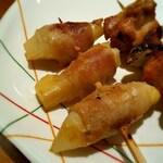 串鳥 - 新生姜の豚巻きです。