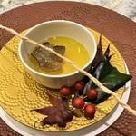 クリマ ディ トスカーナ - アニョロッティ イン ブロード 青森産シャモロック イタリア産黒トリュフ 黒トリュフの華やかな香り、スープの旨味、アニョロッティのプニュっとした食感を楽しみながら味わう、寒い季節にとても嬉しい温かさにほっとする思いです♪