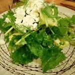 Flowers&Spanish Sonrisa - 青リンゴとカッテージチーズの苦味野菜のサラダ