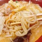 錦 - みそ野菜らーめんの麺
