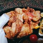 サバービア - 鶏のから揚げ