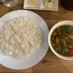 143333749 - シャバシャバ系カレールーが固めに炊いたジャポニカ米によく合う。