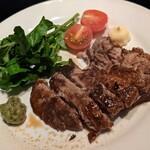 143336917 - マグロのほほ肉ステーキ。柔らかくて美味しい。