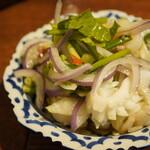 メナムのほとり - 魚介のサラダ