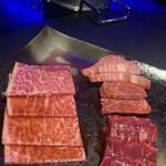 143342601 - 神戸牛ロース等の特選肉盛り✨