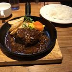 神田の肉バルRUMP CAP - ハンバーグ(税込み990円)