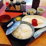 143345524 - オムレツ定食(白) 680円                       限定5食