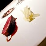 143352858 - 京都産・鴨胸肉を東京檜原村のミズナラで焼いて ソース・ヴァンルージュ 冬野菜と