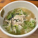 麺屋 一徳 - スープを投入していただきます